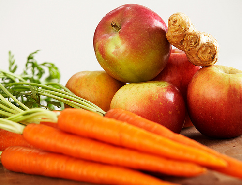 Spice, Carrot and Apple Juice Recipe for Detox